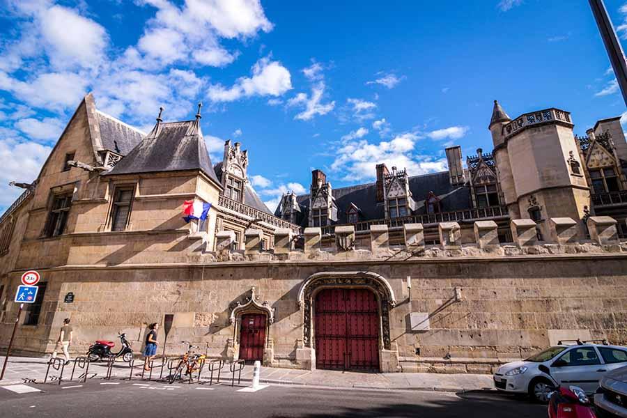 Musée de Cluny au coeur du Paris Gallo-Romain dans le quartier Latin