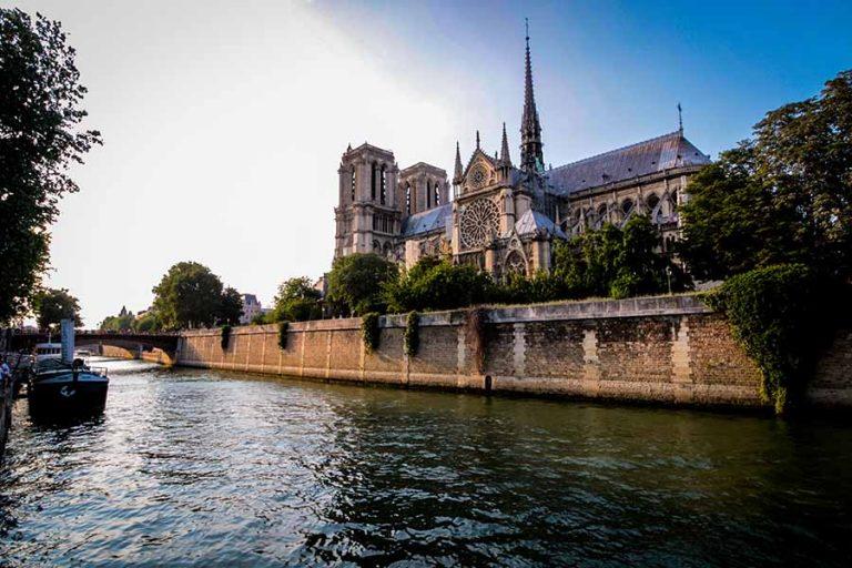 Notre Dame sur l'île de la Cité
