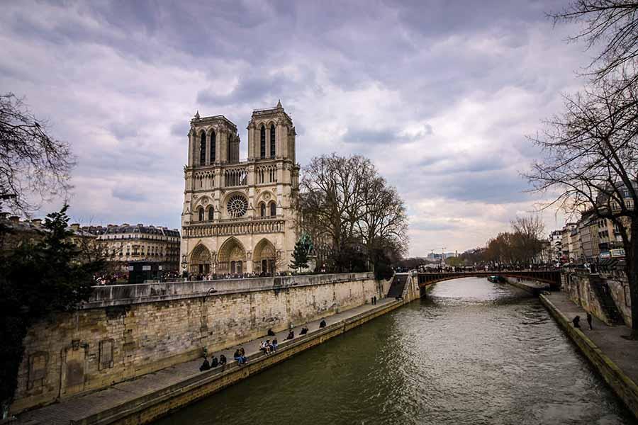 Notre Dame de Paris depuis la Seine