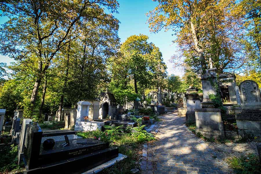 Cimetière du Père Lachaise à l'est de Paris, est l'un des plus beaux et insolites au monde