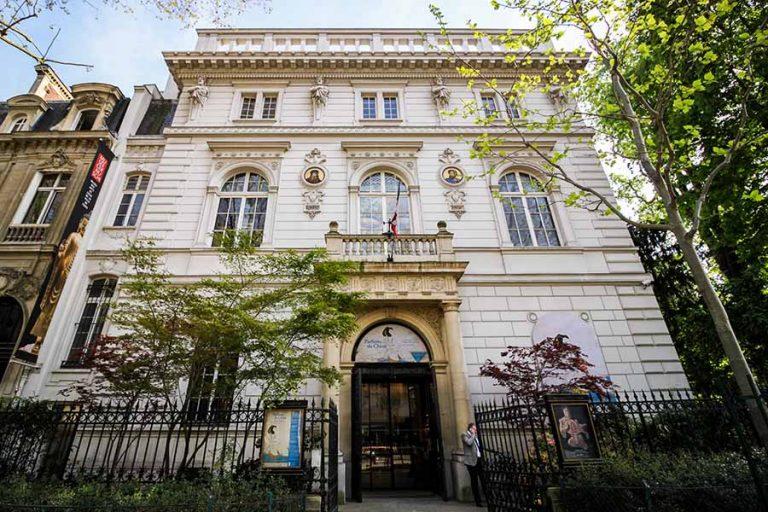 Musée cernuschi façade, musée des arts asiatiques, japonais, parc monceau