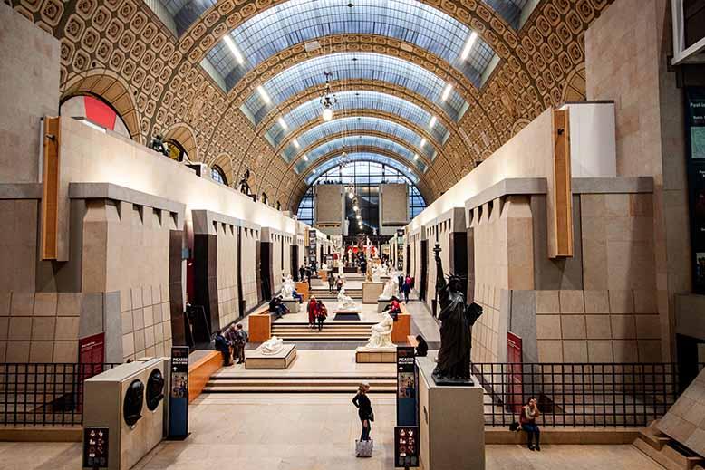 galerie des statues musée d'orsay passerelle