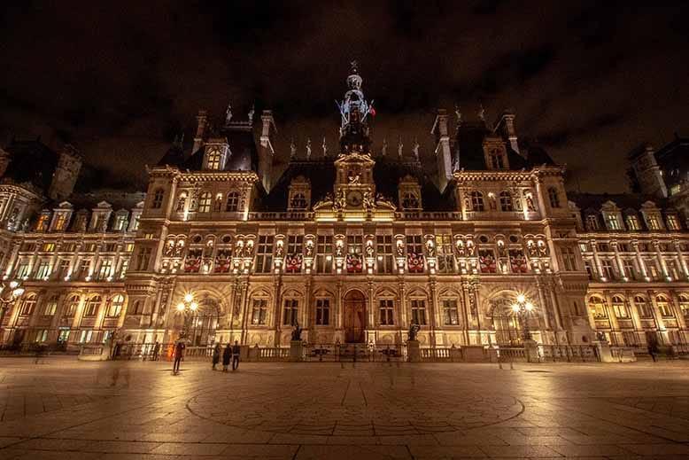 Hotel de ville de Paris la nuit