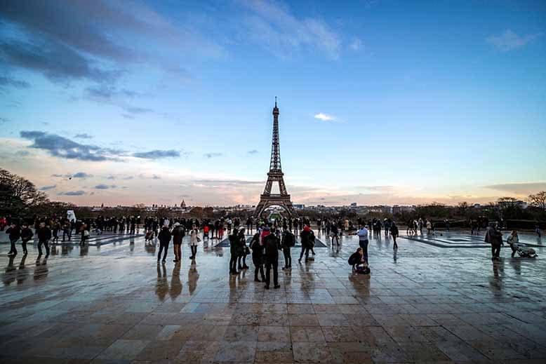 place du trocadéro tour eiffel reflets soleil couchant