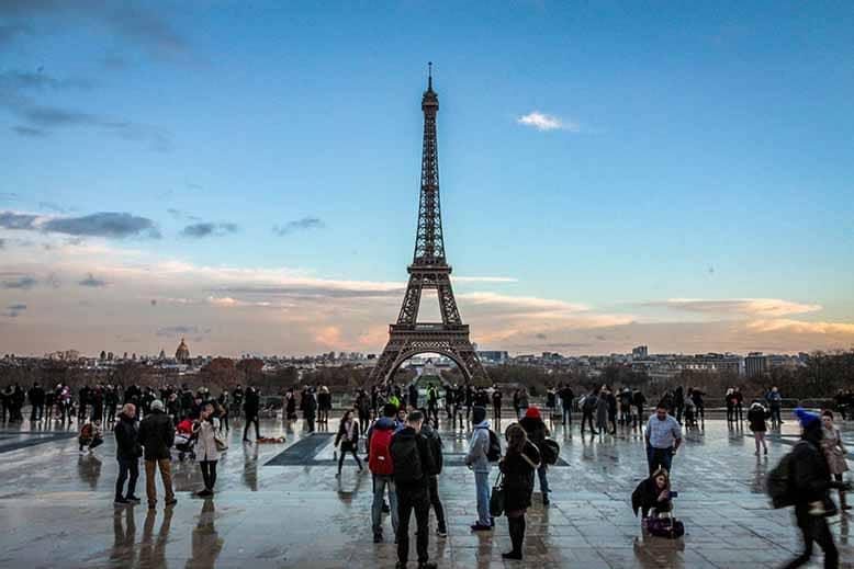 place du trocadéro tour eiffel soleil couchant 122018