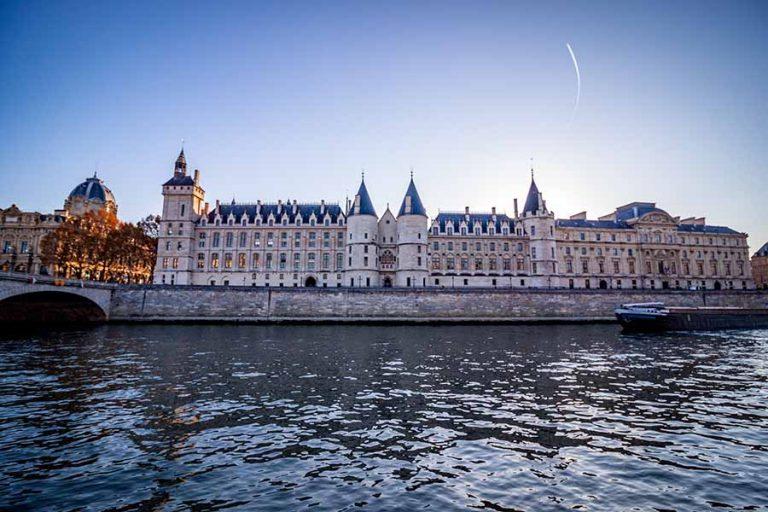 Quai de seine palais de la cité