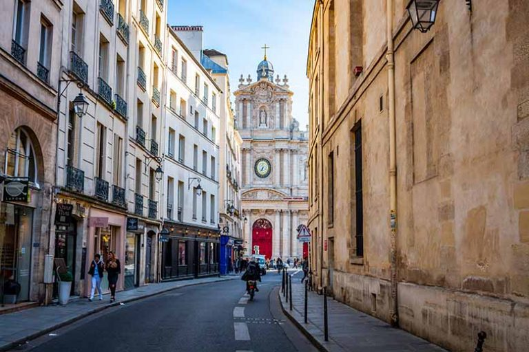Église saint paul saint louis depuis rue de Sévigné Marais