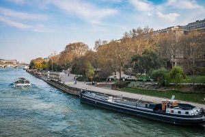 Jardin Tino Rossi depuis le pont sully
