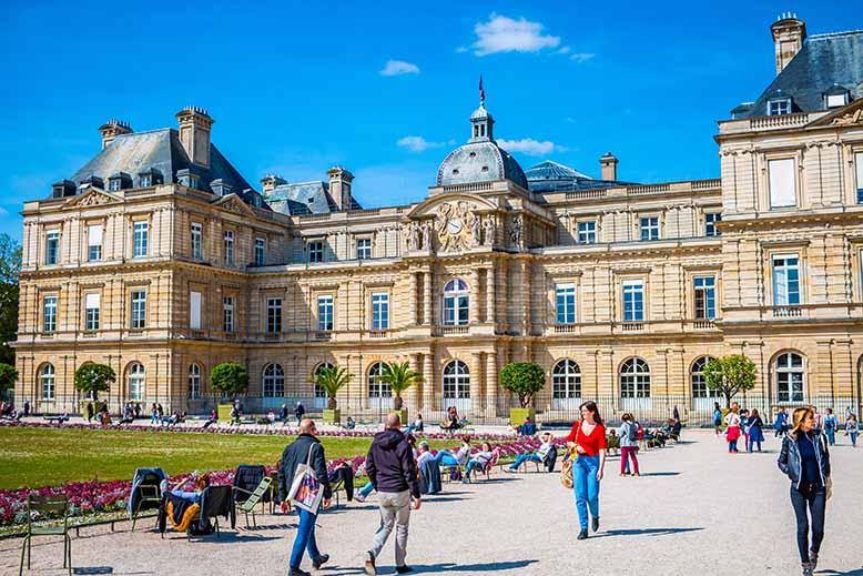 Jardin du Luxembourg Palais du Luxembourg touristes quartier latin