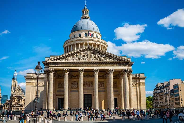 Lorsque l'on vient visiter le Quartier Latin on découvre le Panthéon eglise saint etienne du Mont