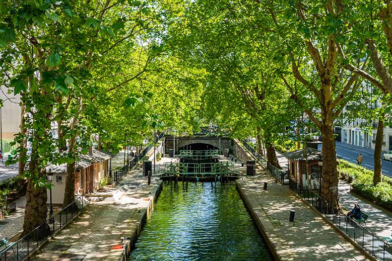 Canal Saint-Martin passerelle des douanes coté bastille