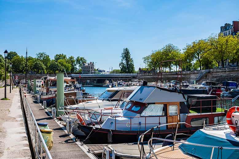 Jardin du Port de l'Arsenal bateaux soleil printemps