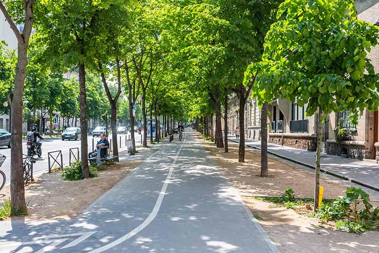 Raspail piste cyclable du boulevard menant à Denfert Rochereau