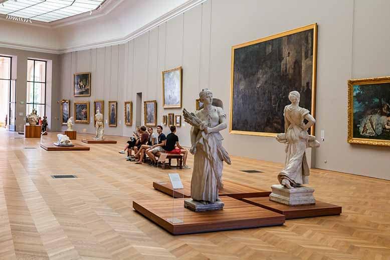 Visiter le Petit Palais Galerie de statues et de tableaux