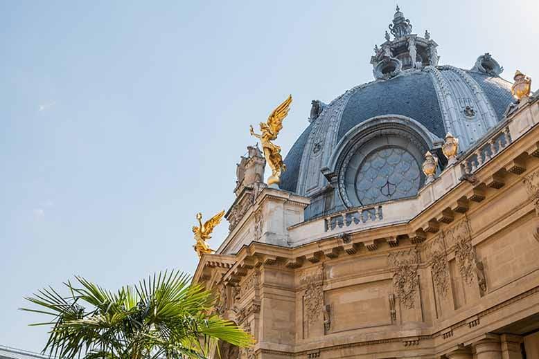 Visiter le Petit Palais rotonde coté jardin avec navire de Paris et génies peinture et sculpture