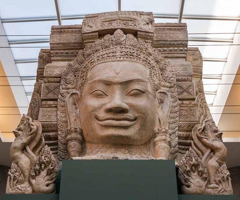 Arts asiatiques à Pairs le musée Guimet Tête Buddha